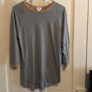 Lularoe Randy top solid gray with peach ringer